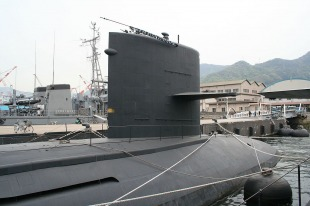 Diesel-electric submarine JS Makishio (SS-593) 3
