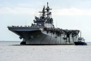 America-class amphibious assault ship 0
