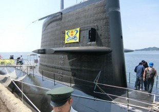 Diesel-electric submarine JS Makishio (SS-593) 4