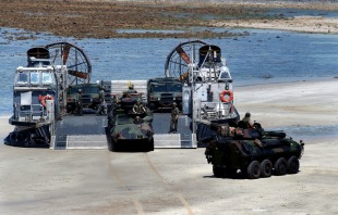 LCAC-class air-cushion landing craft 1